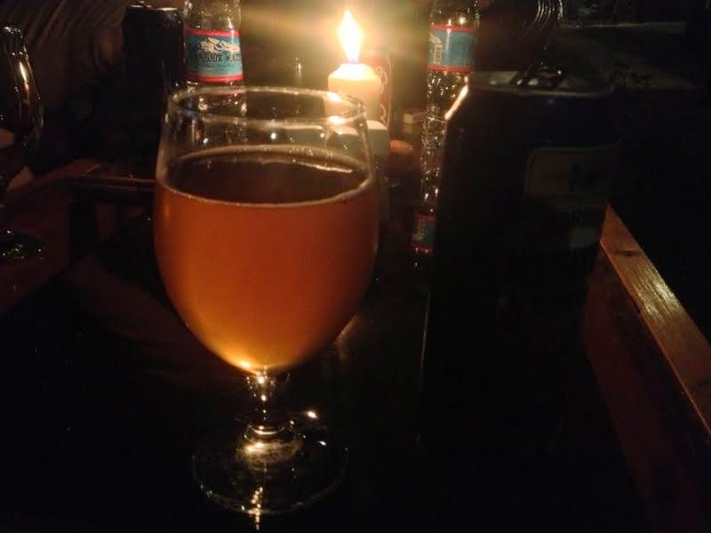 Piwo w jednym z barów w Kabulu