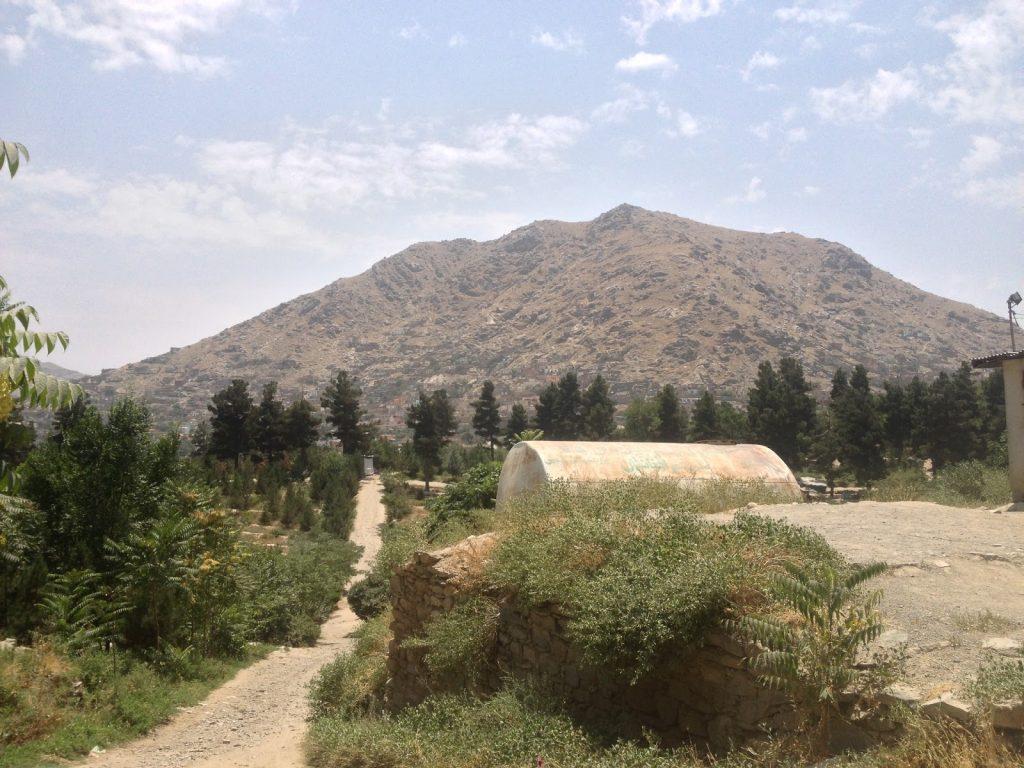Kabulskie wzgórza widziane z ogrodu Bagh-e-Bala