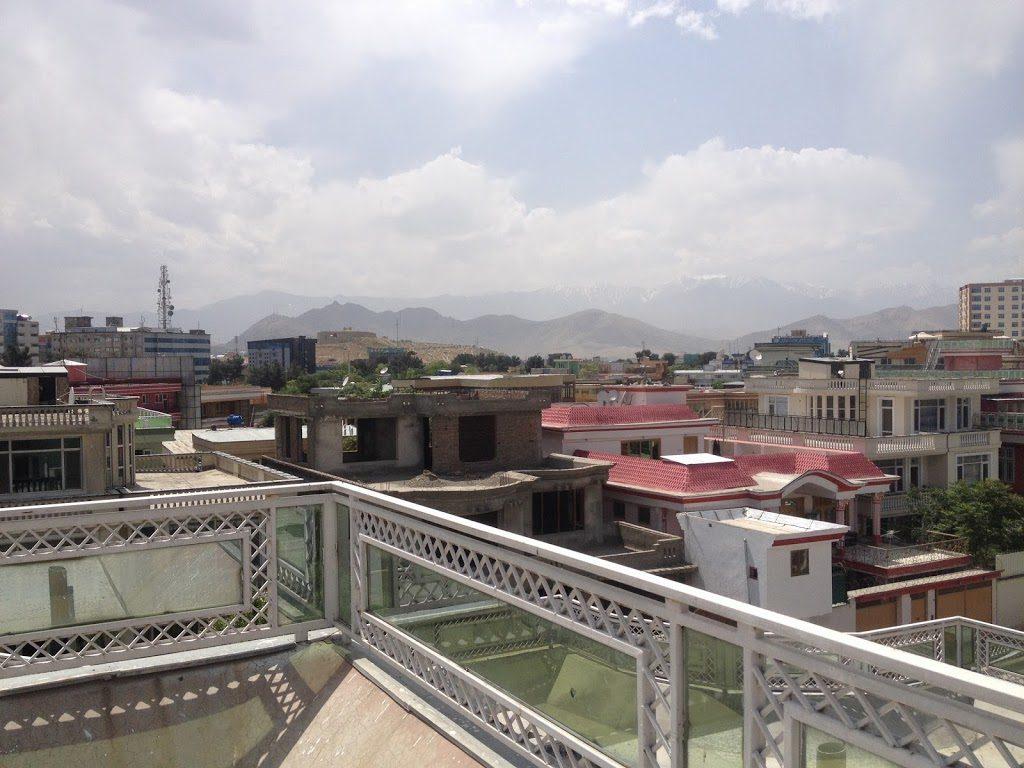 Widok z dachu mojego domu w Kabulu
