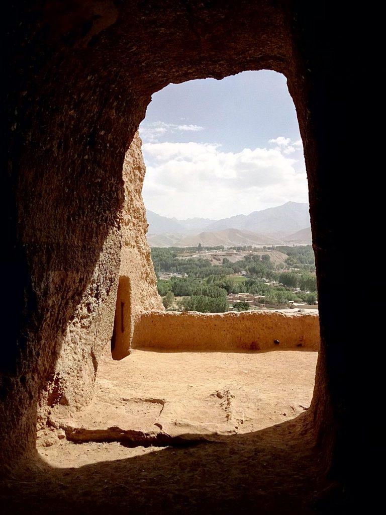 Malowniczy widok na dolinę Bamyan