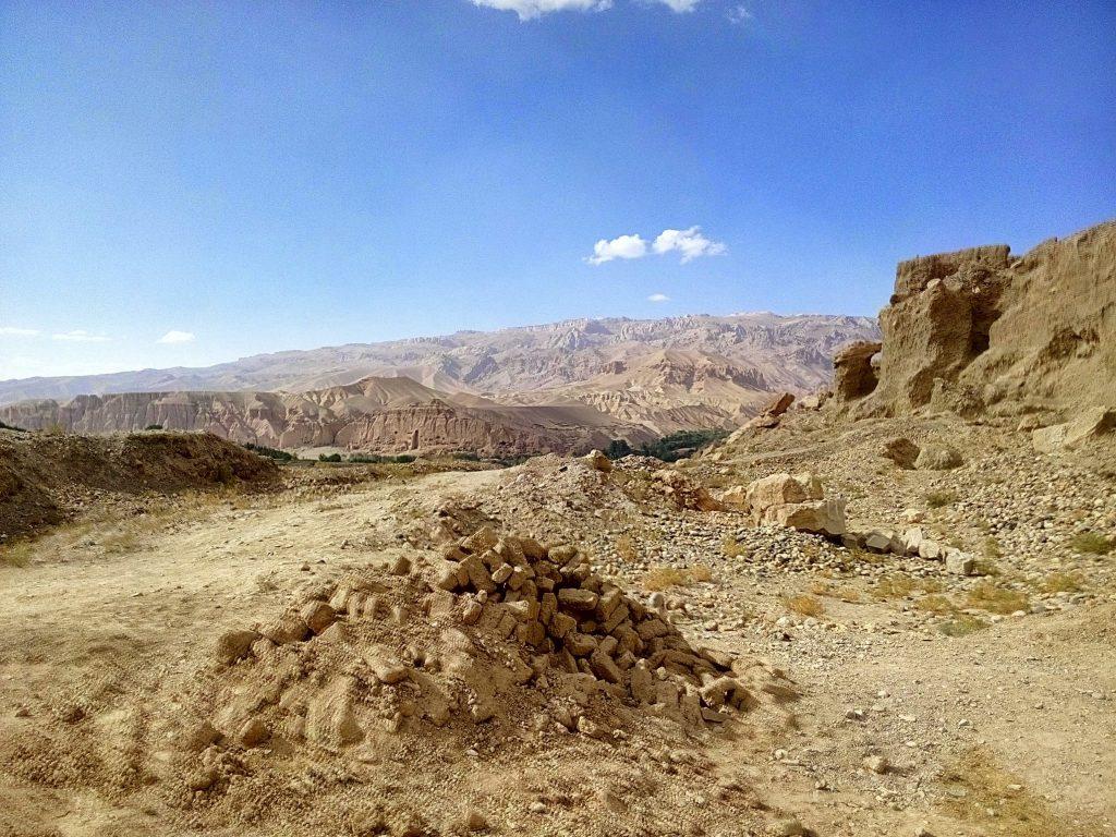 Widok ze szczytu wzgórza na którym mieści się miasto krzyków