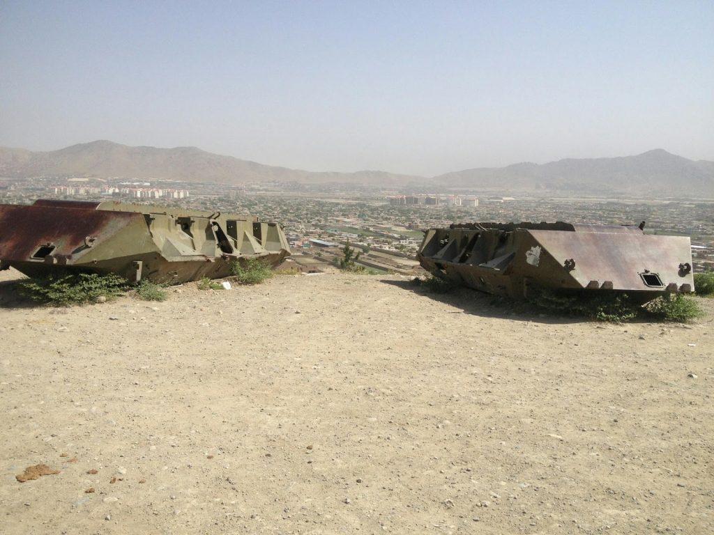 Czołgi na wzgórzu Wazir Akbar Khan w Kabulu