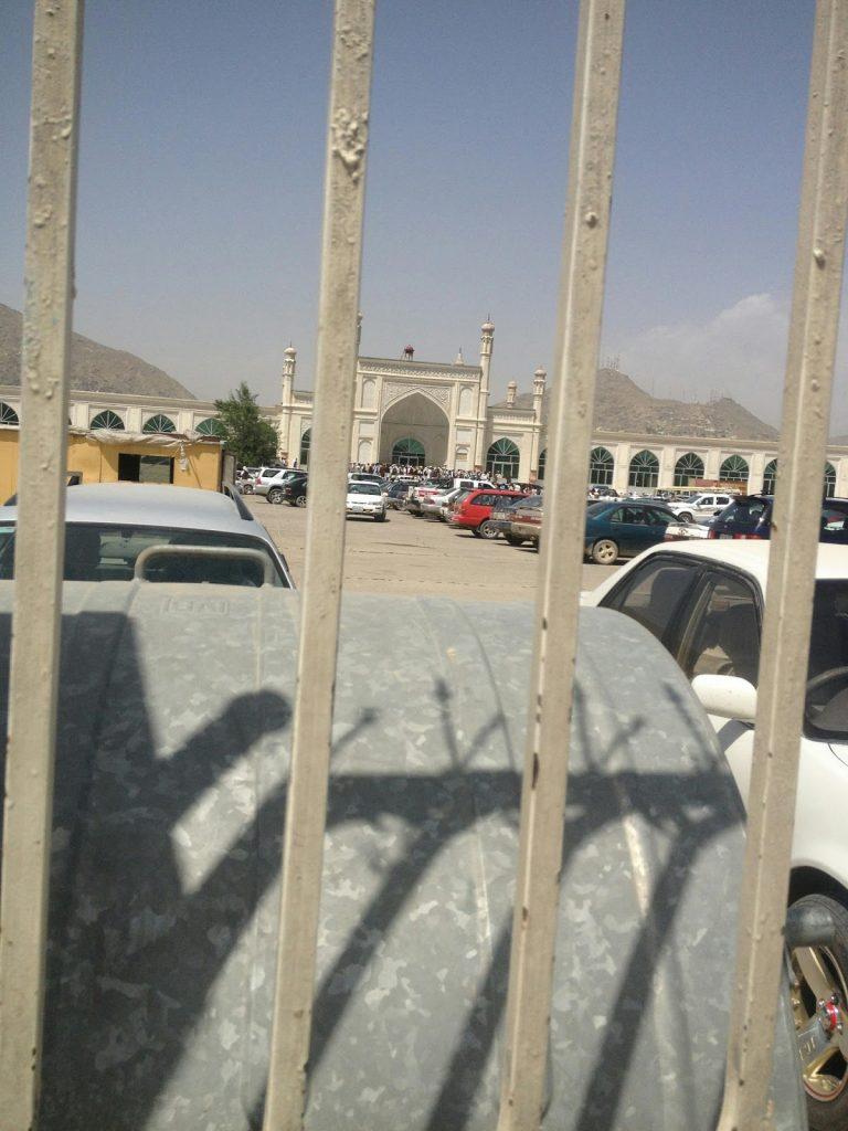 Wielki Meczet Eidgah w czasie pogrzebu