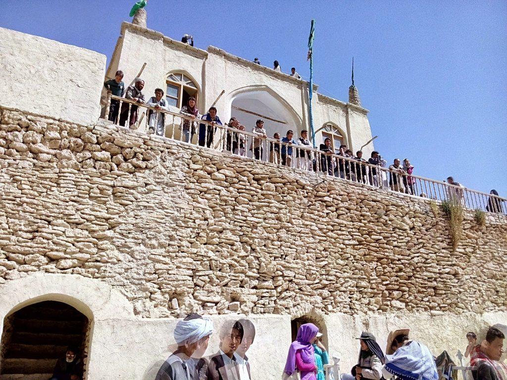 Meczet nad jeziorem Band-e-Amir