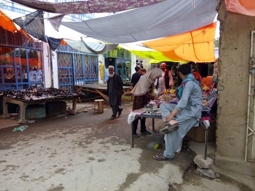 Targowisko w mieście Bamyan