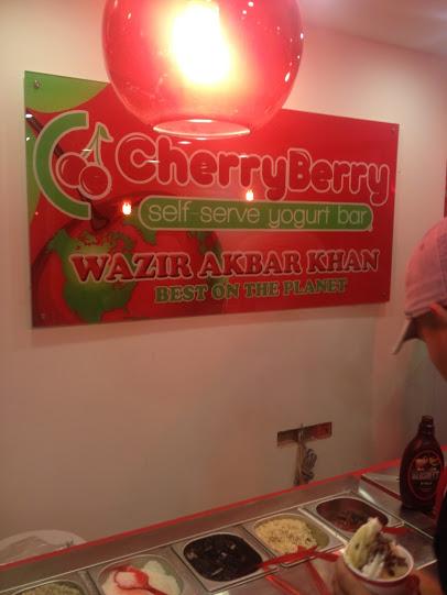 Cherry Berry - pierwszy w Afganistanie lokal z mrożonym jogurtem