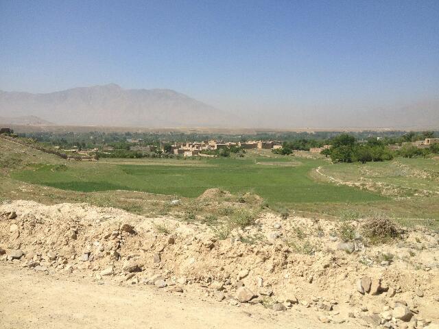 Okolice Kabulu, w oddali pasmo górskie