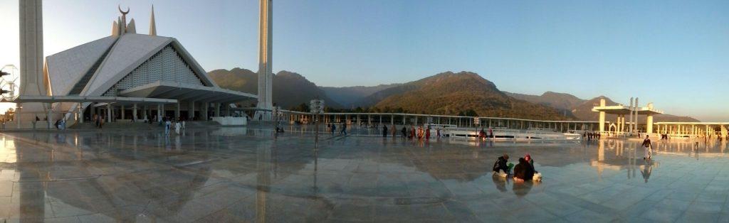 Panorama z widokiem na Meczet Faisal w Islamabadzie
