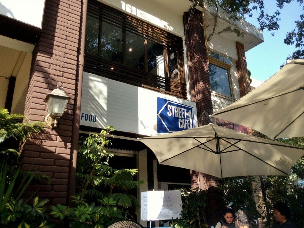Street 1 cafe w Islamabadzie, doskonałe miejsce na Brunch