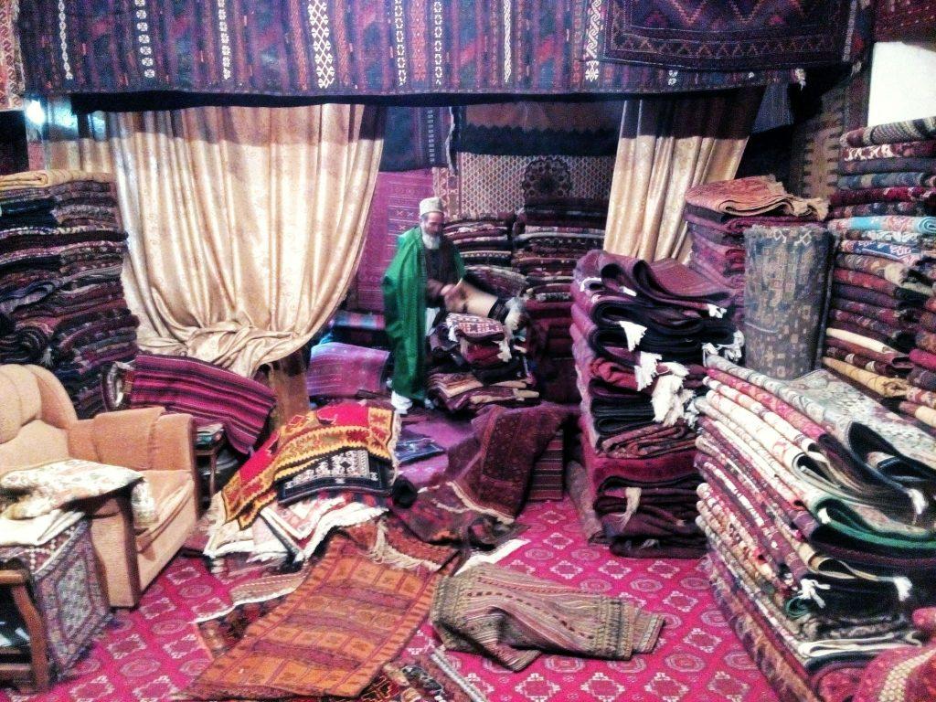 Wnętrze jednego ze sklepów z dywanami