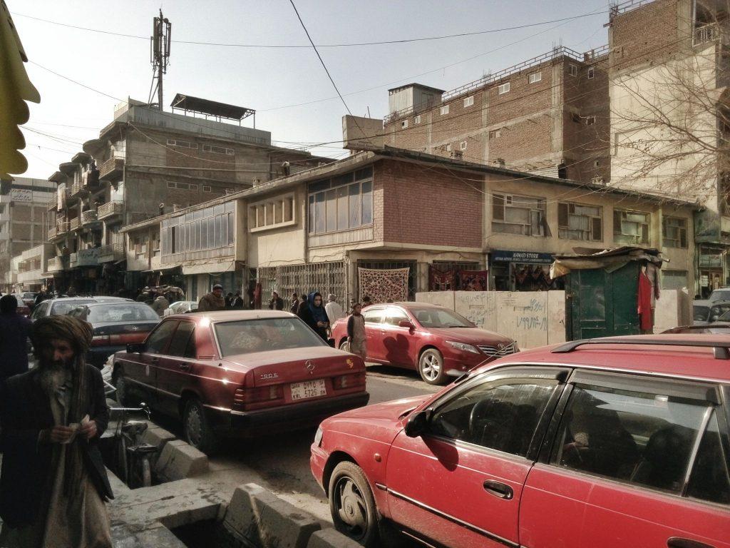 Chicken Street - tradycyjna ulica handlowe z bogatą ofertą biżuterii