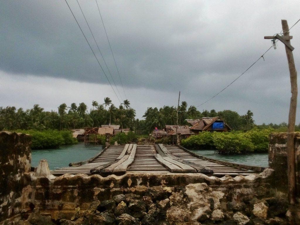 Pozostałości mostu łączącego niegdyś Santa fe z General Luna
