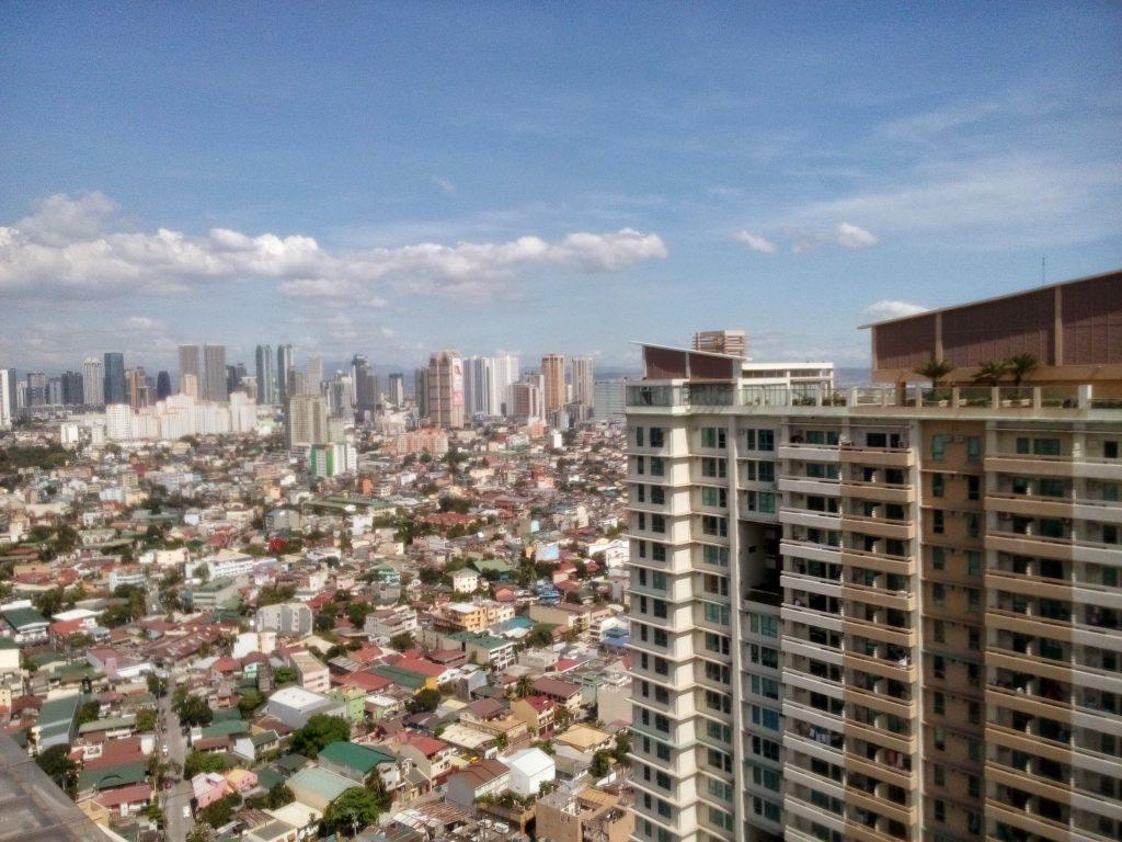 Widok na Manile z dachu Tivoli Gardens