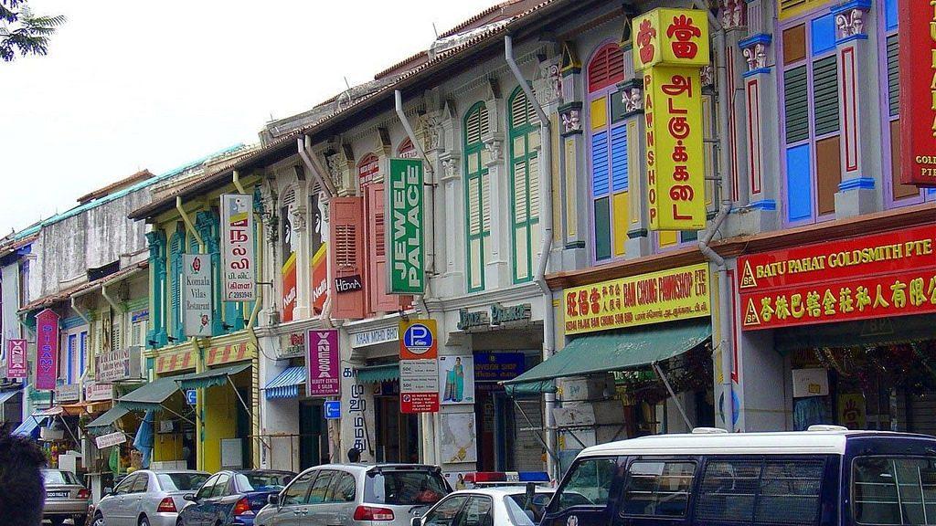 Widok na typową ulicę w Little India w Singapurze. Numer 5 na liście największych atrakcji turystycznych Singapuru