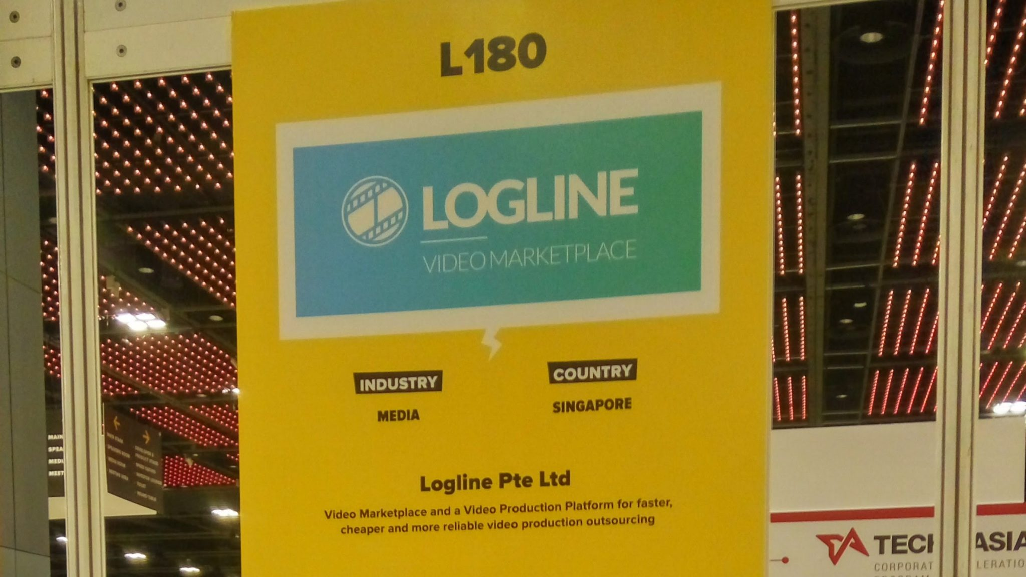 Logline na targach Tech in Asia