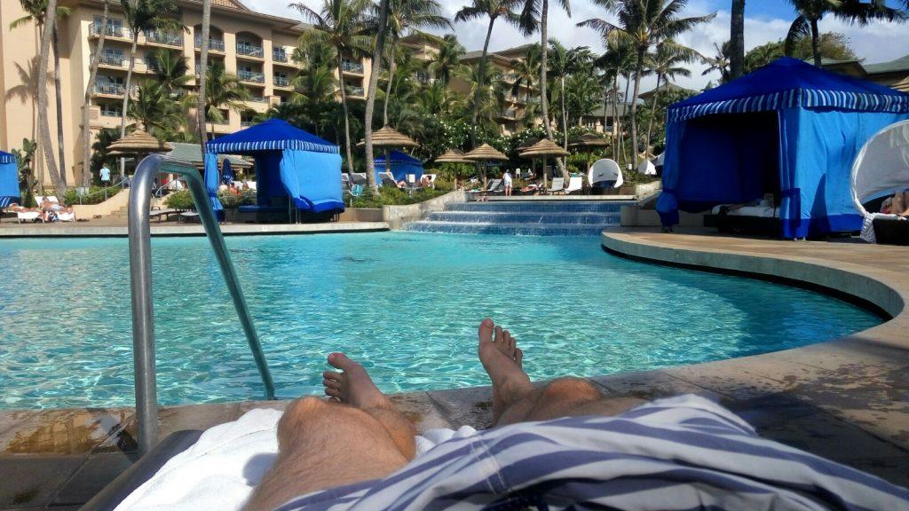 Widok na basen w hotelu Ritz Carlton na Maui