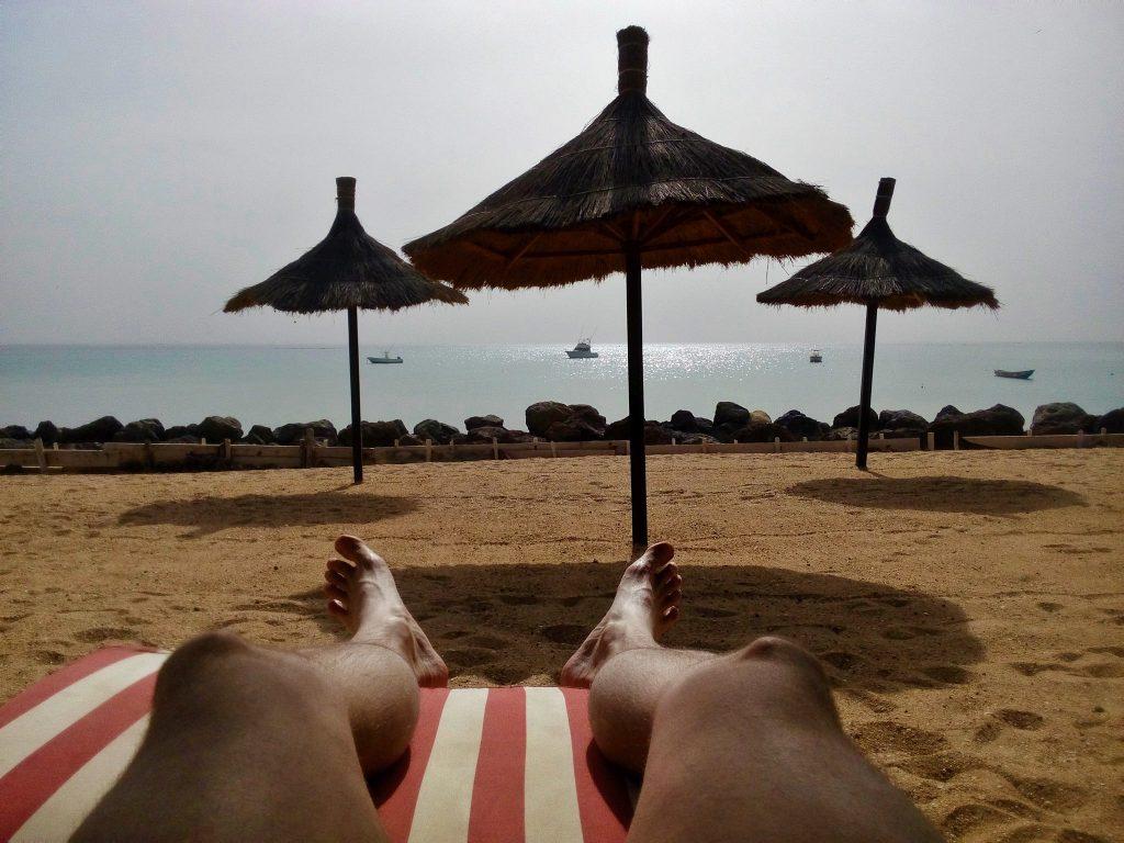 Piękne widoki na plaży w Saly Portudal, Senegal