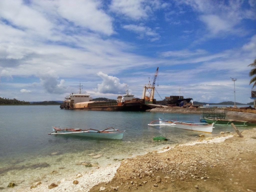 Port w Dapa, stąd odbijają statki do Surigao City
