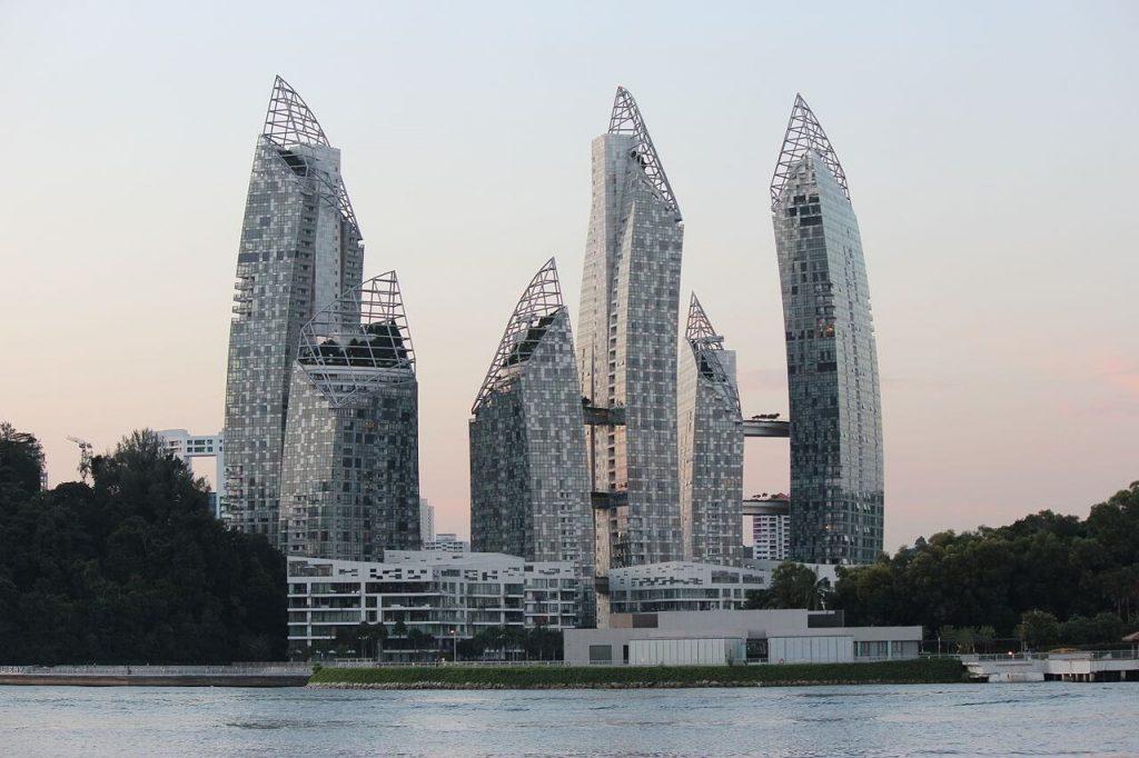 Reflections at Keppel Bay - budynki mieszkalne w Singapurze po zachodnie słońca - Architektura Singapuru