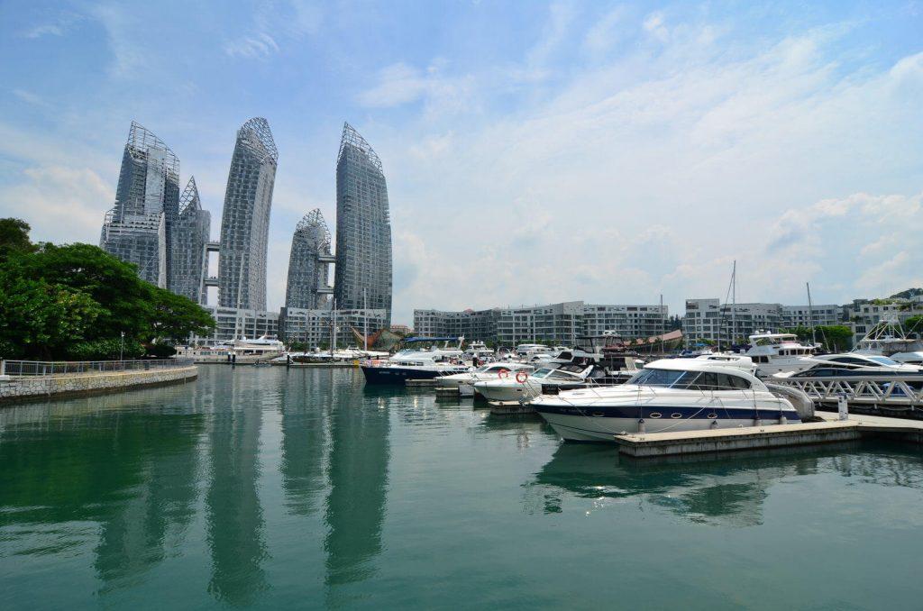 Reflections zespół budynków mieszkalnych w Singapurze położonych tuż nad wodą - Architektura Singapuru