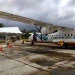 Samolot linii Cebu Pacific na lotnisku na wyspie Siargao
