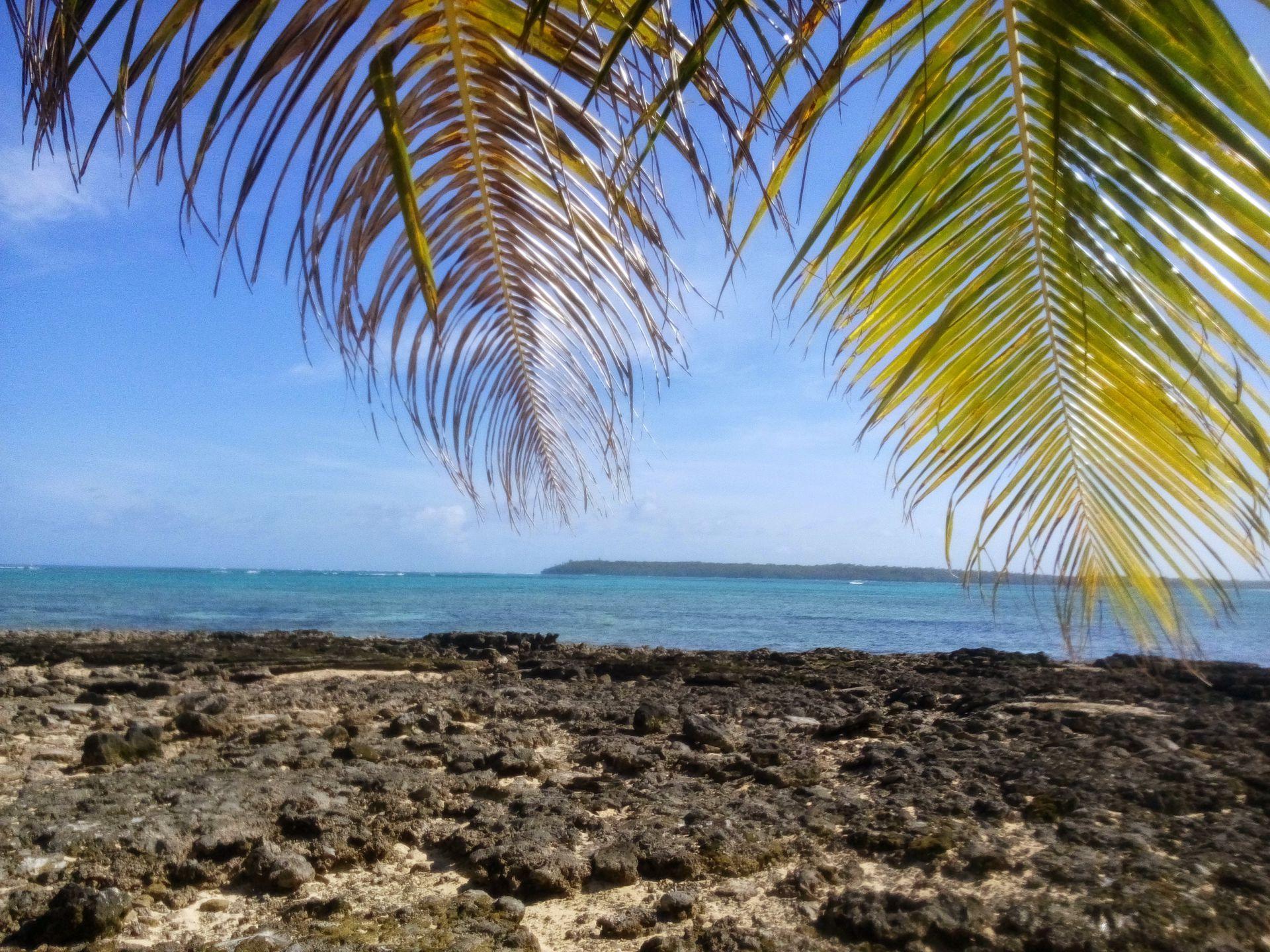 Wyspa Daco, tak właściwie nie ma na niej za wiele, za to widoki są piękne