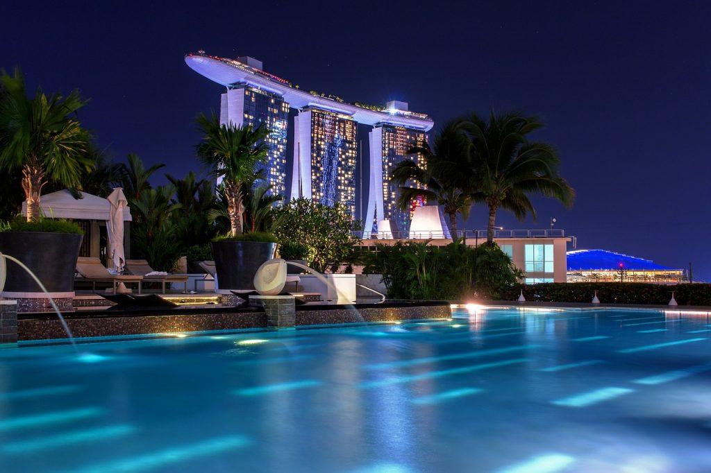 Basen w Hotelu Mandarin Oriental. Singapur basen na dachu.