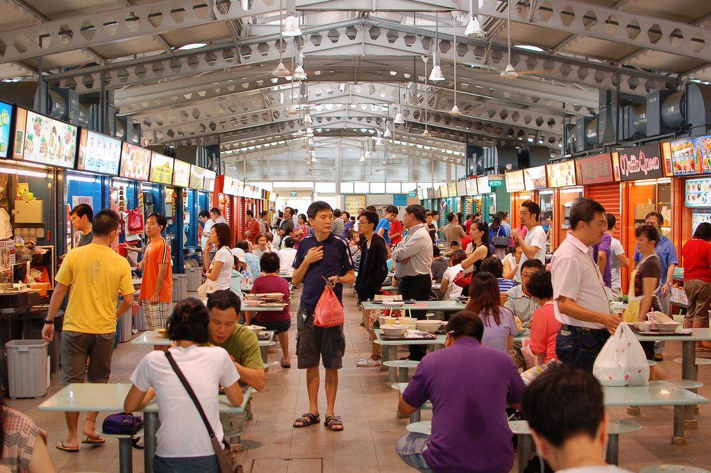 Food Court czy też Hawker Center Alexandra Village. Zwiedzanie Singapuru powinniśmy zacząć lub zakończyć na jakimś food courcie.