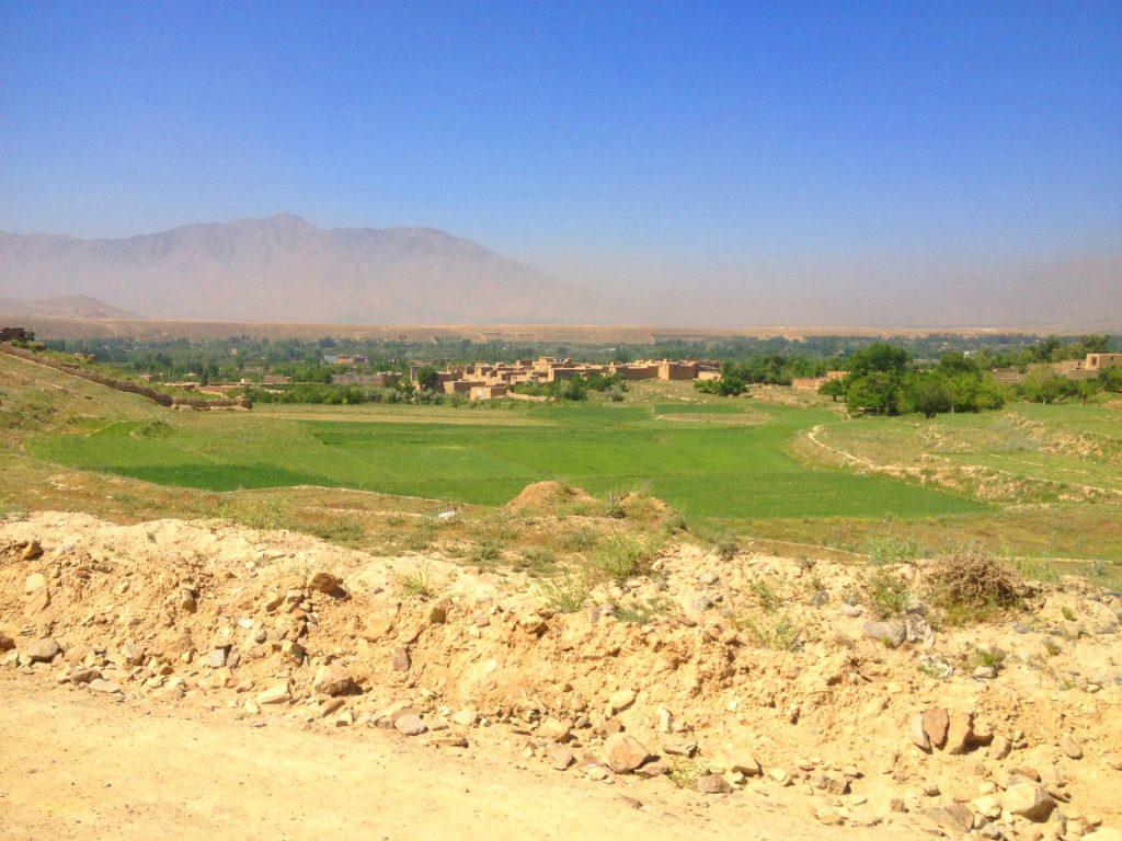 Okolice Kabulu, za nami jezioro Qargha