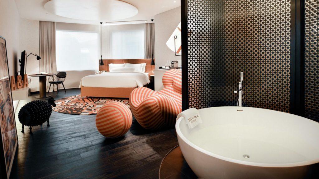 Pokój w Hotelu Naumi w Singapurze
