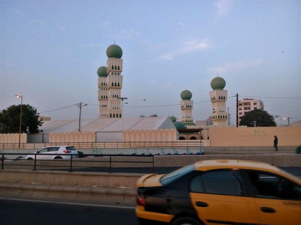 Jeden z najciekawszych meczetów jakie do tej pory w życiu widziałem- Shaikh Umar Saidou Tall Mosque, Dakar