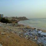 Każda jedna plaża w centrum dakaru wyglądała podobnie, tony śmieci których nikt nie zamierza sprzątać