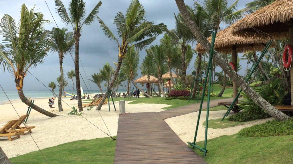 Plaża na wyspie odzyskanej od oceanu - pierwszy etap budowy Forest City