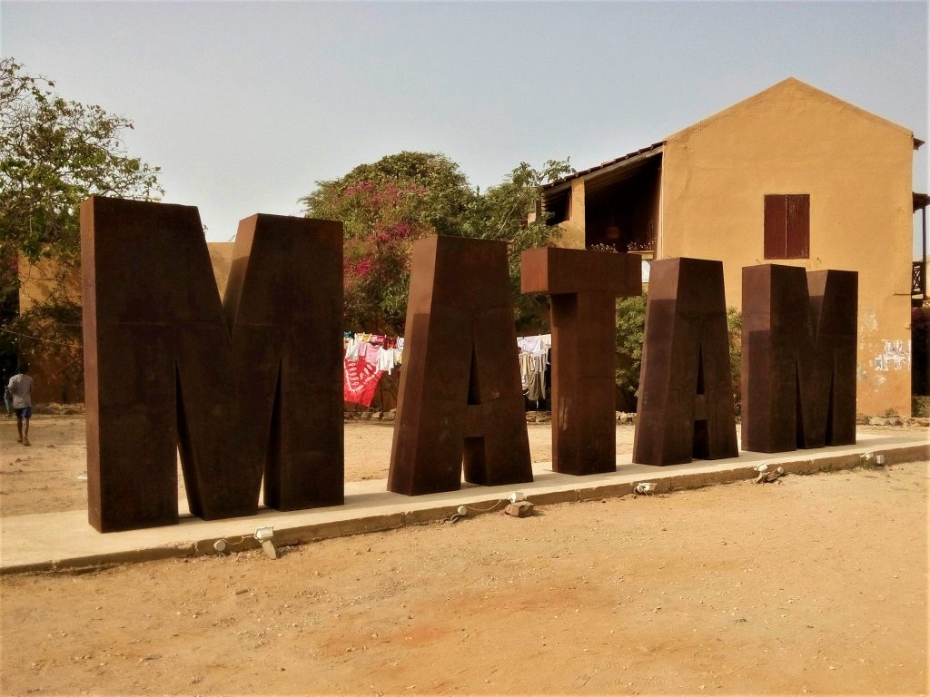 Promocja regionu górniczego Senegalu urządzona na wyspie Goree