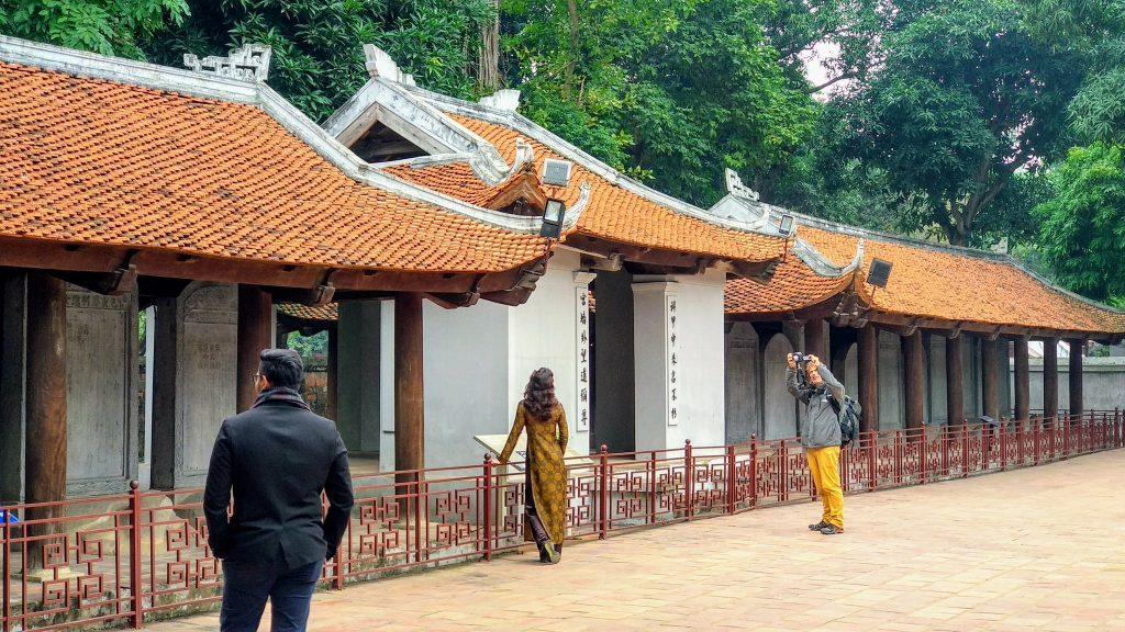 Świątynia Literatury oraz sesja zdjęciowa w Hanoi