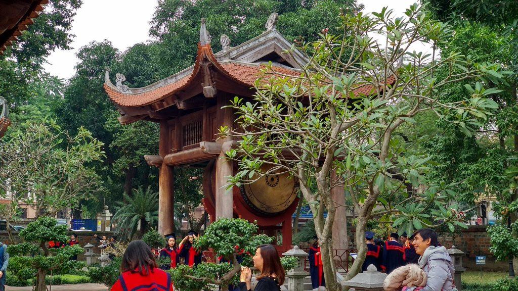 Bęben w świątyni literatury Dai Thanh Mon w Hanoi
