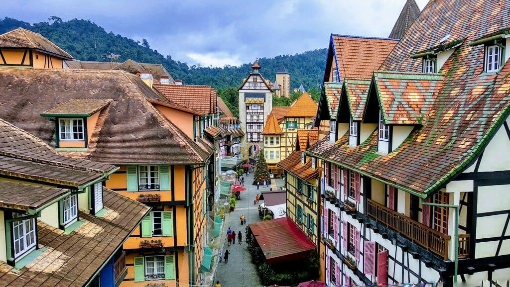 Francuska wioska w okolicach Genting Highlands w Malezji widzana z góry