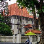 Piękna willa z czasów kolonii francuskiej w Hanoi - stolicy wietnamu