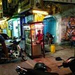 Uliczny sprzedawca makaronu w George Town na wyspie Penang