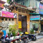Wejście do tradycyjnej wietnamskiej willi w Hanoi