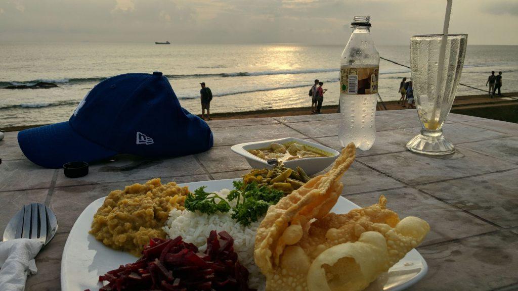 Jedzenie z widokiem na ocean w Forcie Galle