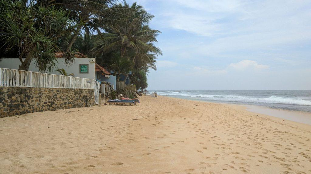 Początek plaży w Unawatuna - jeden z lepszych piasków jakie widziałem na Sri Lance